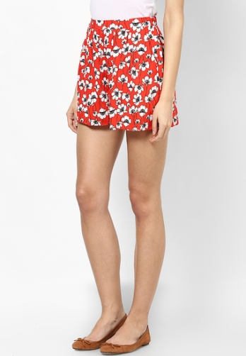 red-floral-shorts-product