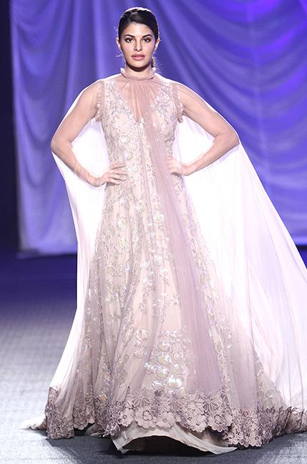 Jacqueline-Fernandez-at-Manish-Malhotra