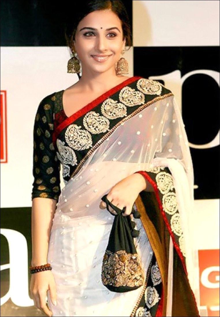 Vidya-Balan-Saree-014-for-Bollywood-Sarees-2fb4e230-a6d3-4274-8e30-961e55b555df