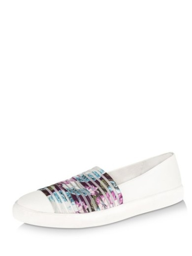 koovs-printed-elastic-slip-on-pumps-product