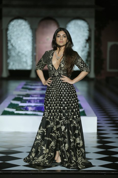 Day-2-FDCI-India-Couture-Week-2016-Epic-Love-by-Anita-Dongre-1