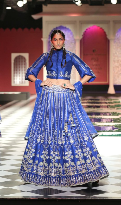 Day-2-FDCI-India-Couture-Week-2016-Epic-Love-by-Anita-Dongre-11