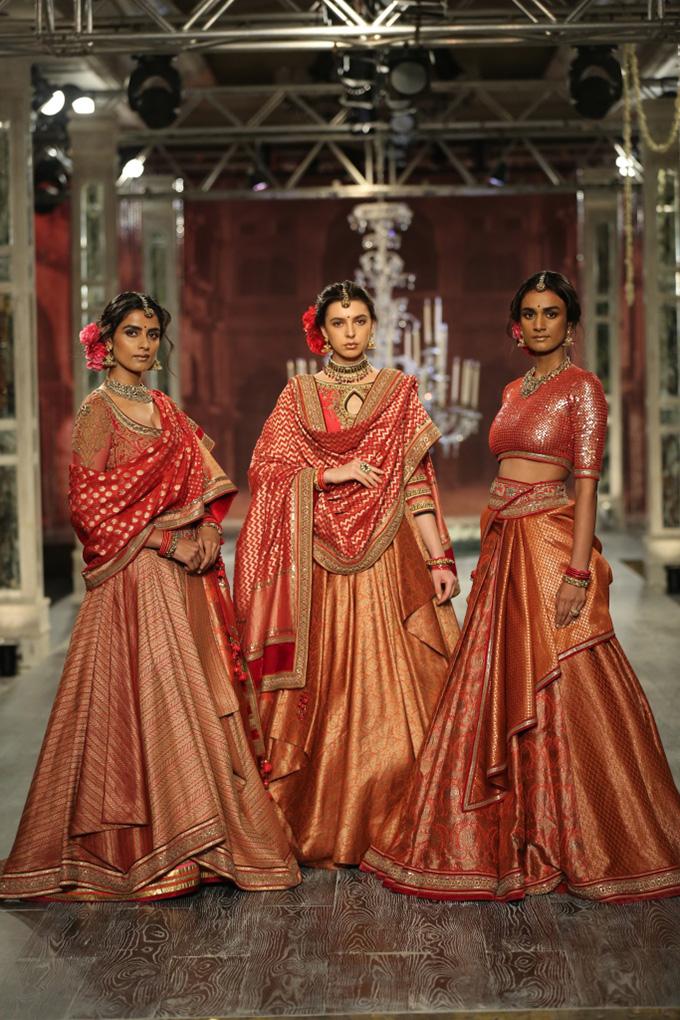 Day-2-FDCI-India-Couture-Week-2016-Tarun-Tahiliani-6