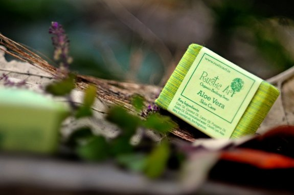 rustic-art-organic-aloe-vera-soap-original